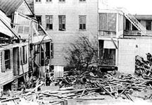 1893 Sea Islands hurricane - Image: 1893 sea islands hurricane damaged houses