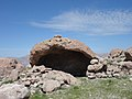 19. abrigo rocoso en la cima del Amargoso abril 2013.jpg