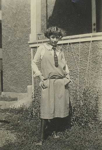 Young woman standing, 1923 : Inscription on ba...