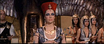 1963 Cleopatra trailer screenshot (10).jpg