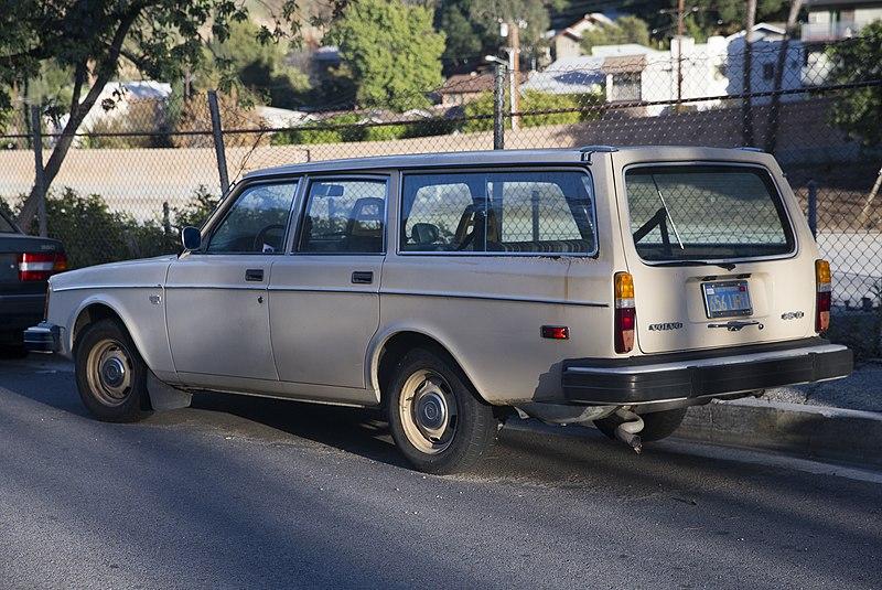 Who Makes Volvo Car Seats