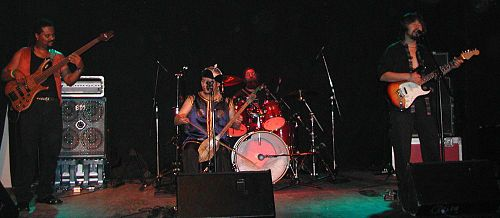 Yat-Kha Frankfurt am Main, Almanya, 13 Ekim, 2005 tarihinde konserde