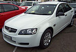 2007 Holden Commodore (VE) Omega sedan (2007-05-07).jpg