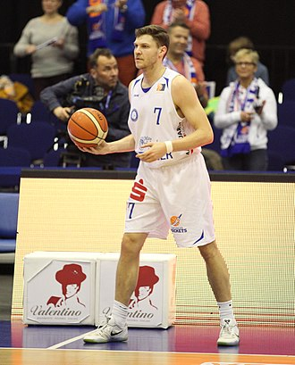 Grant Gibbs (basketball) - Gibbs with Rockets in 2017