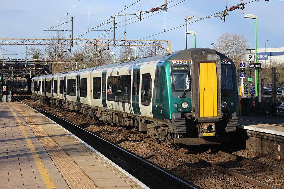 350232 at Watford Junction