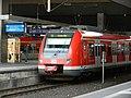 422 579 als S6 nach Essen in Düsseldorf Hbf.jpg