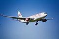 77at - Canada 3000 Airbus A330-200; C-GGWA@ZRH;31.10.1999 (4816000274).jpg