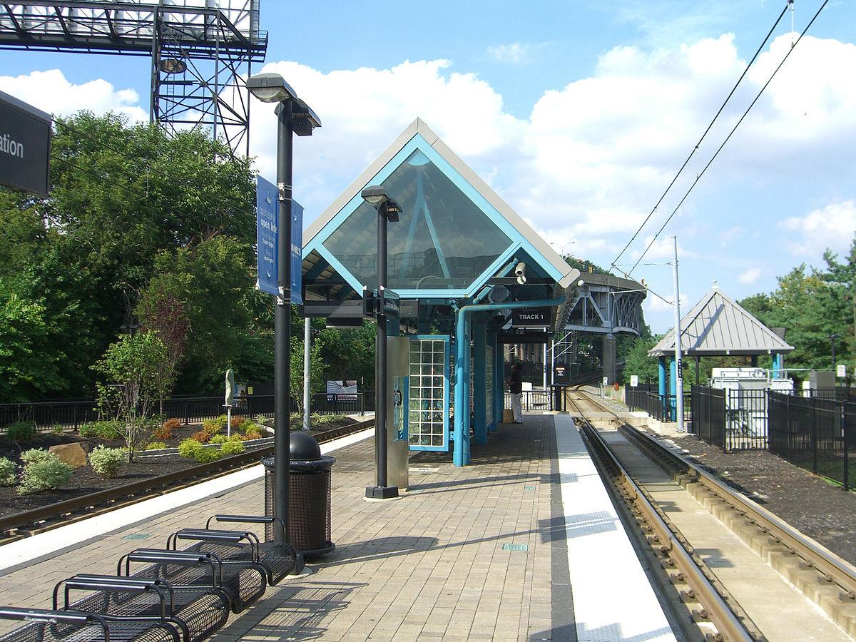 Lincoln Harbor station - Wikipedia