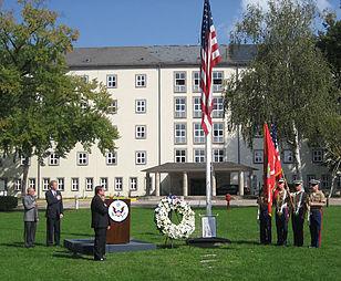 911 Memorial at U.S. Consulate General Frankfurt, Presenting colors.jpg