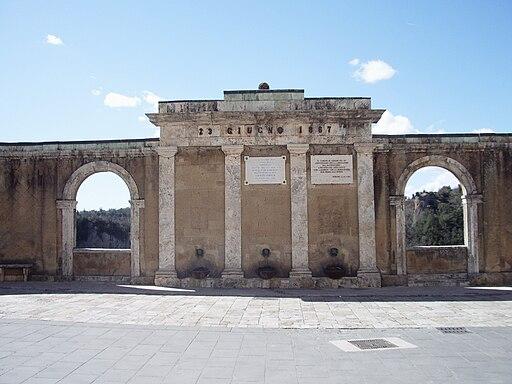 Sorano, logge e fontane dell'acquedotto