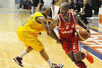 Adrian Banks - Adrian Banks with Pallacanestro Varese