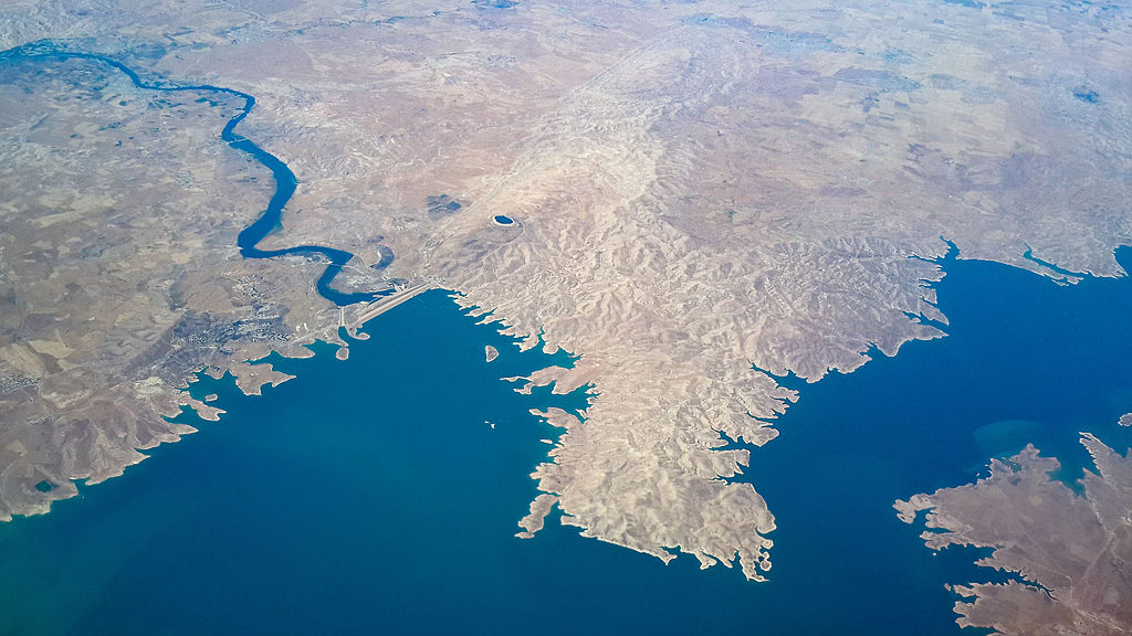 aerial view mosul dam iraq