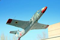 Aero L-29 Delfin take off display Ukrainian.jpg