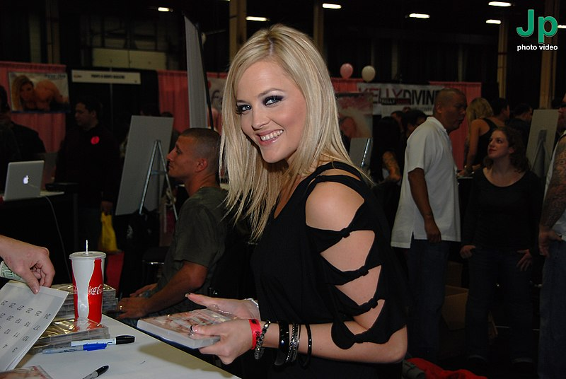 فاىل:Alexis Texas at Exxxotica New Jersey 2010.jpg