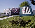 Amish Country quilts 12911v.jpg