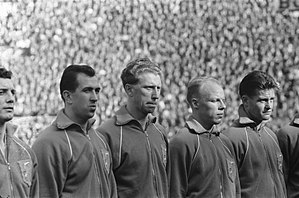 Roel Wiersma - The Netherlands squad lining up before a match against Belgium in 1960. From left to right: Cor van der Hart, Eddy Pieters Graafland, Jan Klaassens, Wiersma and Kees Kuijs.