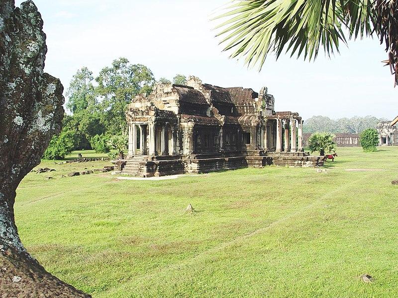 ឯកសារ:Angkor Wat Library SW.jpg