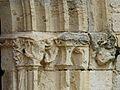 Annesse église chapiteaux (1).JPG