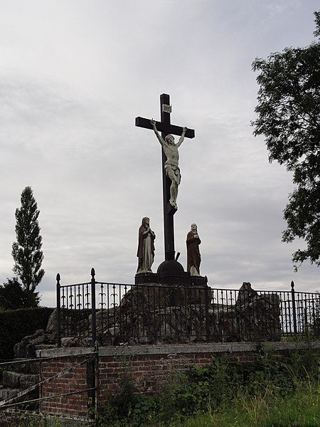 Anor (Nord, Fr) calvaire, Rue de Revin (circuit chapelles)
