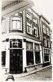 Appelsteeg 1, hoek Luttik Oudorp, Antiekhandel de Kogel, antiekwinkel. Rijksmonument. Lijstgevel, kr - RAA011000136 - RAA Elsinga.jpg