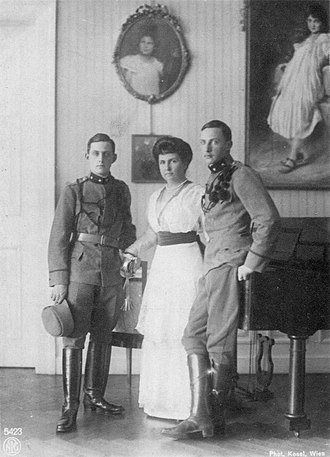 Archduke Leopold of Austria, Prince of Tuscany - Archduke Leopold (left) with his mother and his elder brother Archduke Rainier (right)