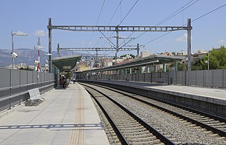 Acharnes Railway Center - Image: Attica 06 13 SKA train stop 01