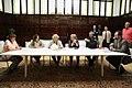 Ayuntamiento y sindicatos suscriben un acuerdo para homologar al personal laboral con el funcionario (02).jpg