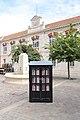 Bücherschrank Chartres.jpg