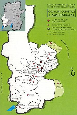 I territori amministrativi e catastali dei com...