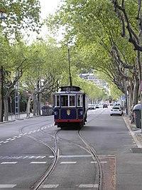 Tramvia blau viquip dia l 39 enciclop dia lliure - Placa kennedy barcelona ...