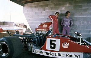 Kevin Bartlett (racing driver) - Kevin Bartlett and his Lola T300 at the Surfers Paradise round of the 1972 Australian Drivers' Championship