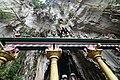 Batu caves (18787865090).jpg