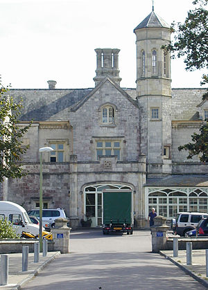 Bay House School - Image: Bay House School, main entrance