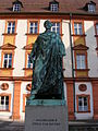 Bayreuth - Altes Schloss, Denkmal für Maximilian II., Frontansicht.jpg