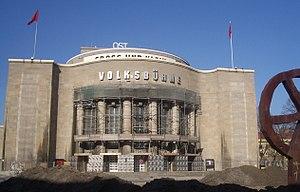 Rosa-Luxemburg-Platz - Volksbühne, erected 1914. Architect: Oskar Kaufmann (rebuilt 1954 following a World War II bombardment.)
