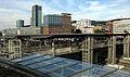 Blick von der Radstation in Freiburg über die Stühlingerbrücke auf den Hauptbahnhof mit Intercityho.jpg