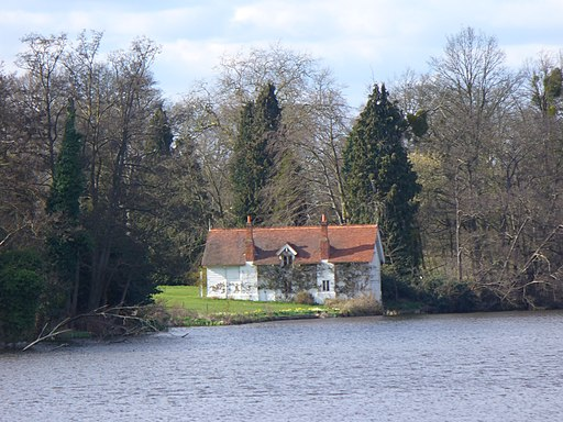 Boathouse on Virginia Water - geograph.org.uk - 1803182