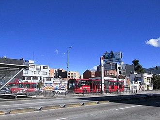 Avenida Suba - Image: Bogotá, estación Puentelargo Trans Milenio