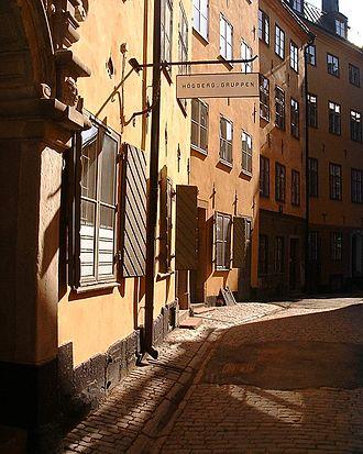 Bollhusgränd - Row of narrow façades of Number 3-5.