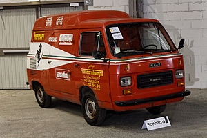 Bonhams - The Paris Sale 2012 - FIAT 900T Ferrari Service Van - 1978 - 003.jpg