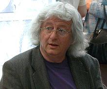 upload.wikimedia.org/wikipedia/commons/thumb/a/ac/Bookfest-2010-Bp06.JPG/220px-Bookfest-2010-Bp06.JPG