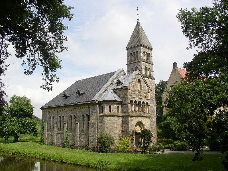 File:Borgholzhausen Schloss Brincke Kapelle.jpg