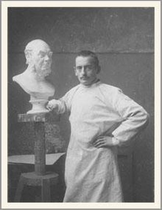 Brynjulf Bergslien - Bergslien making a bust.