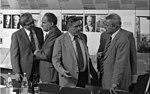 Bundesarchiv B 145 Bild-F053560-0013, Rhöndorf, Sitzung Stiftung Adenauer-Haus.jpg