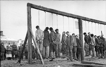 Soviet partisans hanged by German forces in January 1943 Bundesarchiv Bild 101I-031-2436-03A, Russland, Hinrichtung von Partisanen.jpg
