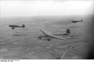 Glider infantry -  DFS 230 flying over Italy, towed by par Ju-87