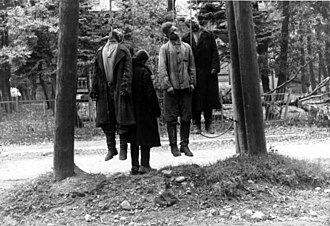Kurt Agricola - Men hanged as partisans somewhere in the Soviet Union. Such a sight was common in the areas under German occupation