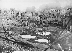 Battle of Saint-Lô - Image: Bundesarchiv Bild 146 1984 043 03, Frankreich, St. Lô, Zerstörungen