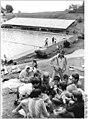 Bundesarchiv Bild 183-1989-0812-006, Gemeinde Taubenheim, Schwimmbad mit Sonnenkollektoren.jpg