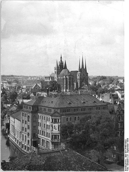 "File:Bundesarchiv Bild 183-26490-0002, Erfurt, Dom, ""Haus der Kultur"".jpg"